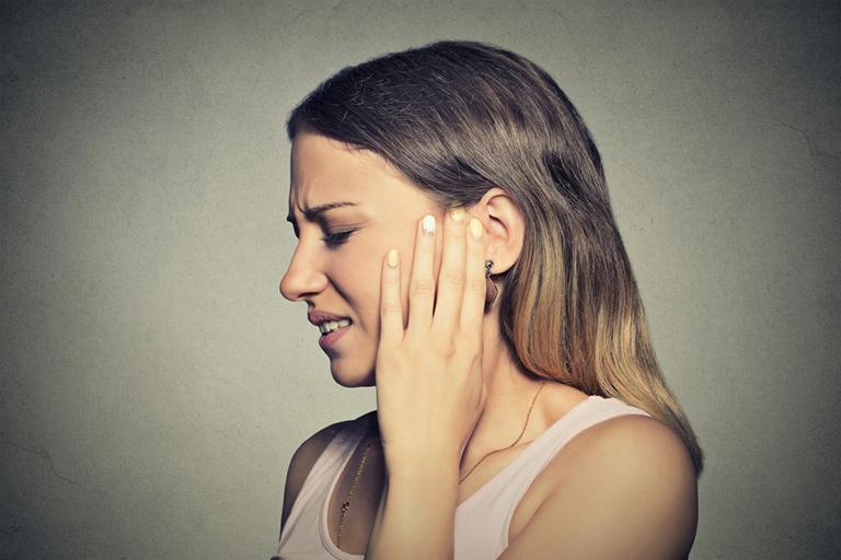 viêm tai ngoài mãn tính