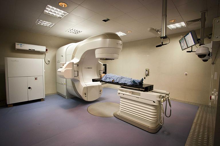 ung thư đại tràng xạ trị