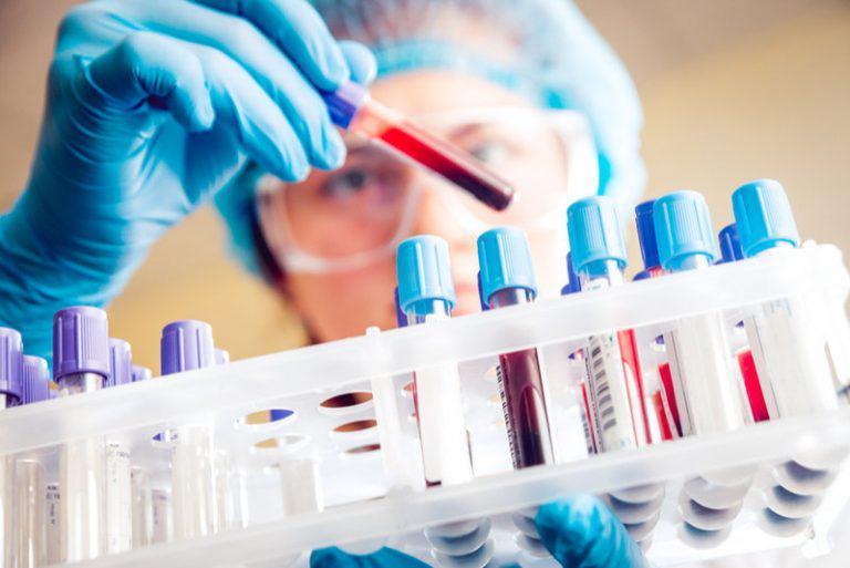 cách chẩn đoán dị ứng mỹ phẩm