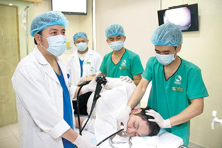 Nội soi là một trong những phương pháp được sử dụng để chẩn đoán xuất huyết dạ dày