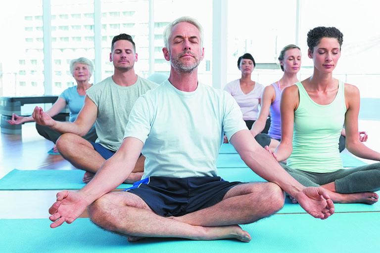 yoga cho người bị thoái hóa khớp gối