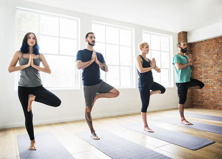 Yoga chữa thoát vị đĩa đệm lưng