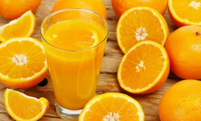 Đã từng có tranh cãi liệu nước cam có ích lợi gì cho sức khỏe con người hay không?