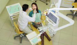 Phòng khám Nha khoa Quang Tuấn trang bị đầy đủ các dụng cụ chuyên khoa cần thiết.