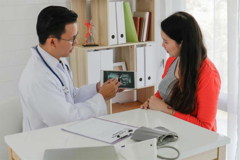Phòng khám Chuyên khoa phụ sản của bác sĩ Phạm Xuân Trường có những dịch vụ sau: khám sinh sản tiền hôn nhân, khám phụ khoa định kỳ, khám thai định kỳ,...