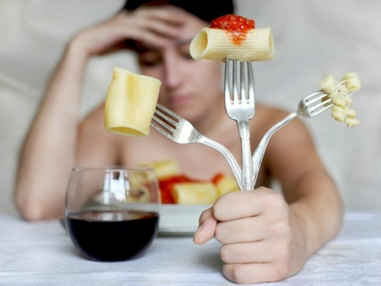Bệnh nhân nên uống Anvitra trước bữa ăn 30 phút hoặc uống sau bữa ăn 1 giờ đồng hồ.