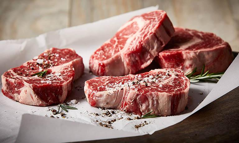 Những người bị gout cần hạn chế tối đa việc sử dụng những loại thực phẩm có lượng purin cao
