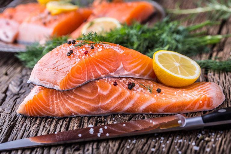 Bệnh Gút có được ăn cá hồi không?