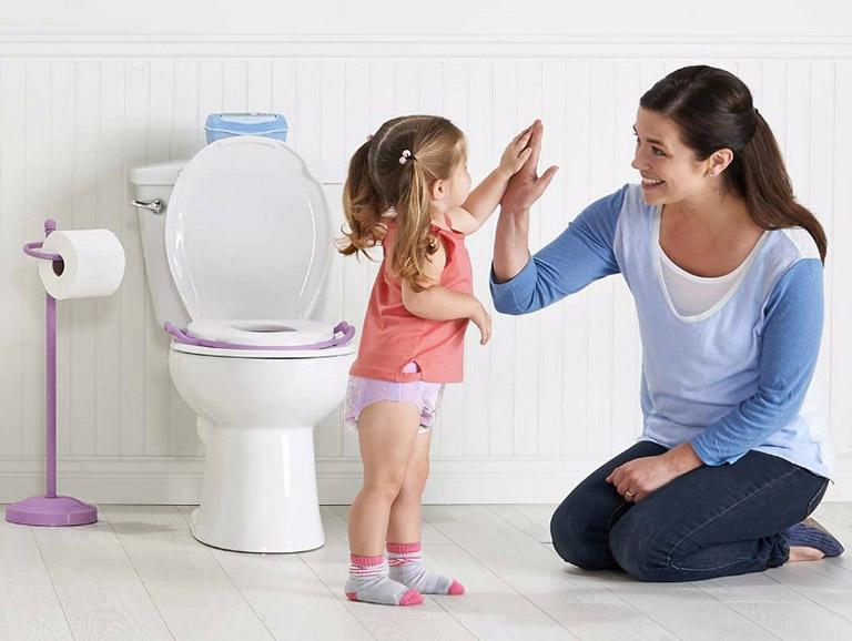 nhận biết và điều trị bệnh trĩ ở trẻ em
