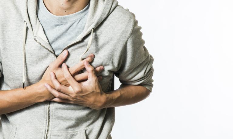 Bệnh gout sẽ gây tác động xấu đến tim. Đây là biến chứng ít ai để ý đến.