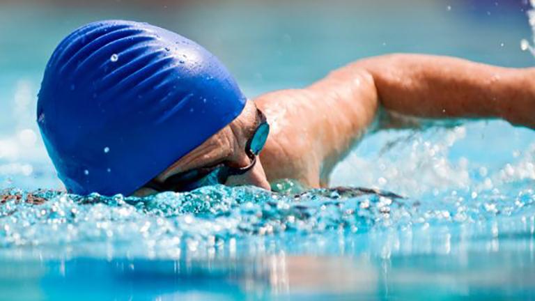 cách bơi cho người thoát vị đĩa đệm