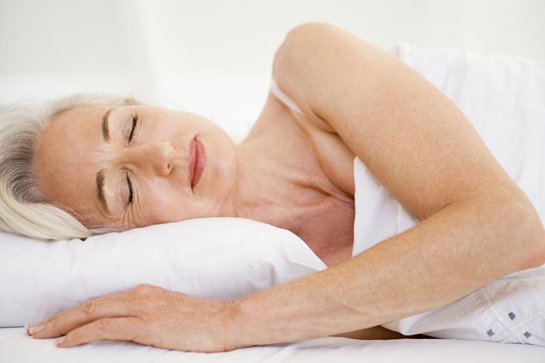 cải thiện giấc ngủ cho người già