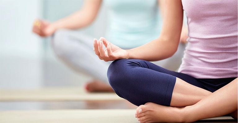 cách giảm đau lưng khi mang thai 3 tháng đầu