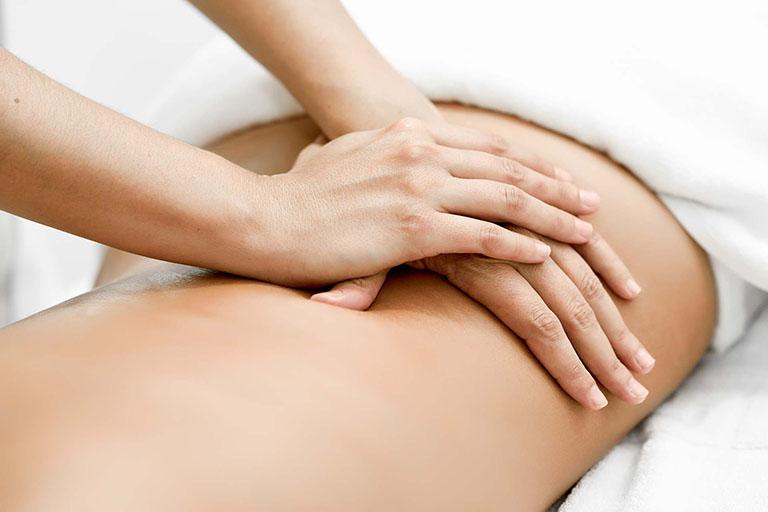 chữa đau lưng sau sinh mổ