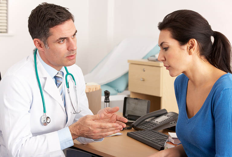 Gặp bác sĩ khi lượng máu tiết ra nhiều