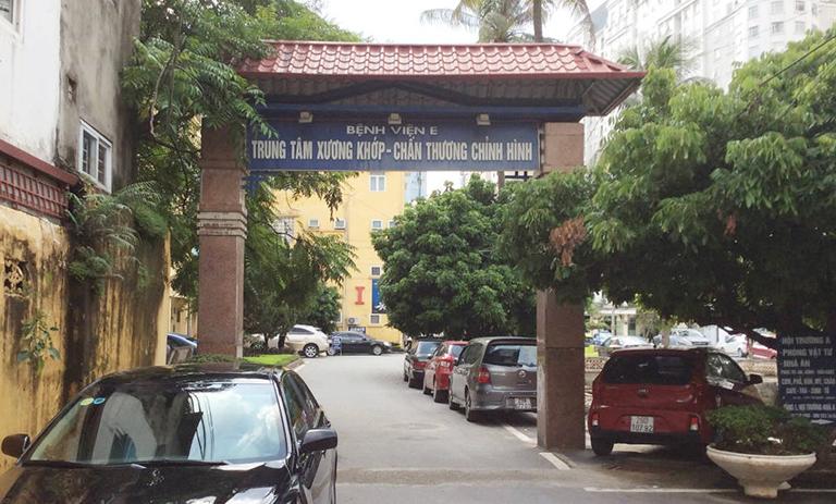 Thăm khám và điều trị bệnh gout tại Bệnh viện E