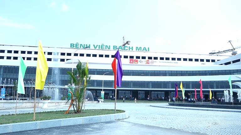 Khám và điều trị ung thư đại tràng tại Bệnh viện Bạch Mai