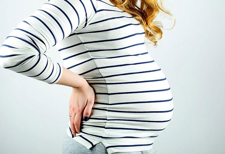 đau hông khi mang thai