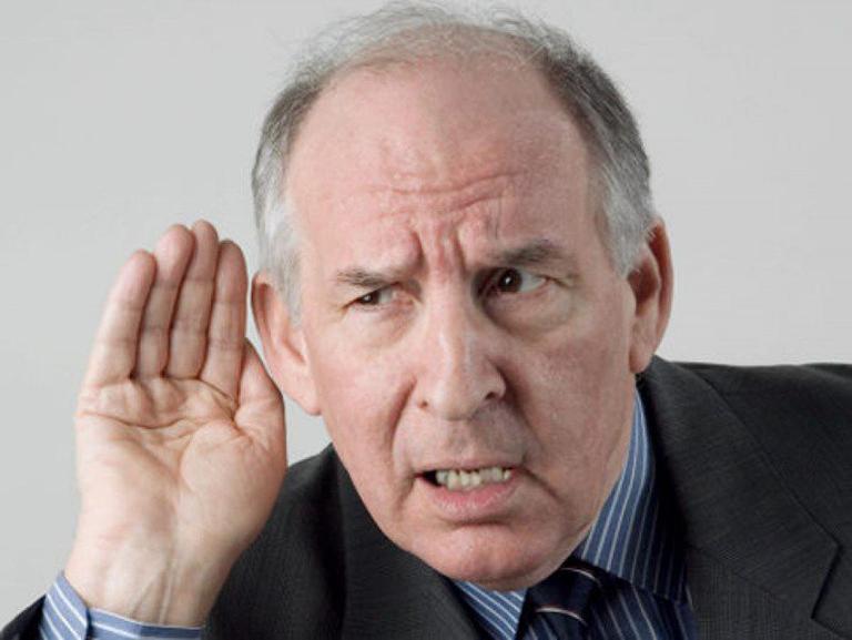 Khiếm thính là gì? Làm thế nào để điều trị?
