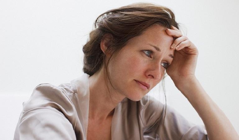 Mãn kinh là yếu tố nguy cơ gây viêm đường tiết niệu ở phụ nữ