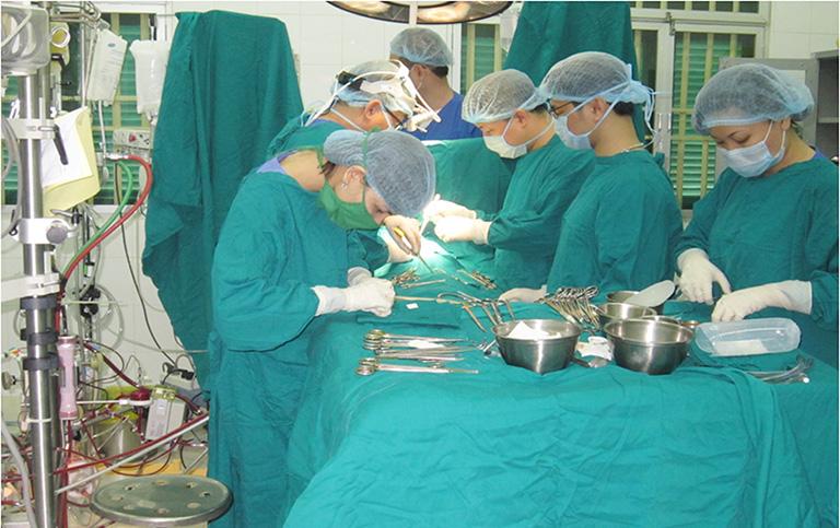 Phẫu thuật điều trị ung thư đại tràng giai đoạn 2