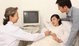 Bác sĩ Trịnh Thị Ngà trực tiếp phụ trách hoạt động khám và chữa bệnh tại phòng khám.