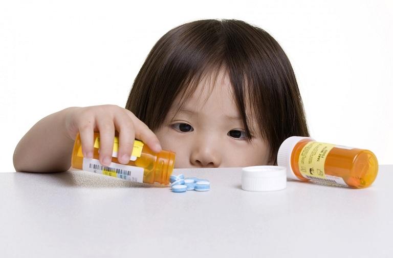 Trẻ em dưới 6 tuổi không được dùng thuốc