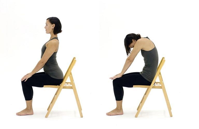 Sự phối hợp nhịp nhàng giữa hai động tác sẽ giúp giảm đau lưng cho dân văn phòng