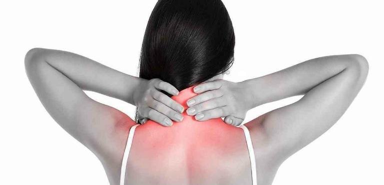 Có nhiều nguyên nhân dẫn đến đau vai gáy sau khi ngủ dậy.