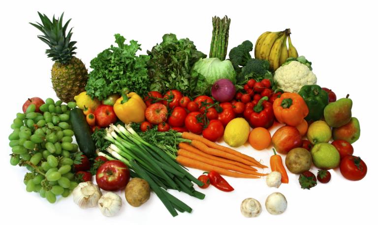 Những loại thực phẩm giàu các beta-caroten như cà rốt, bí đỏ, khoai lang,... giúp vết thương chóng lành.