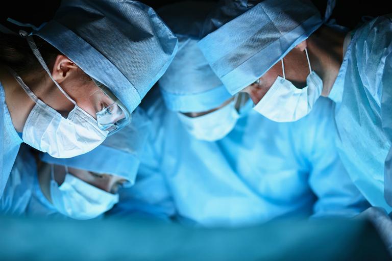 Phẫu thuật điều trị viêm cân gan bàn chân là một ca phẫu thuật tương đối đơn giản và ít gây ra biến chứng.
