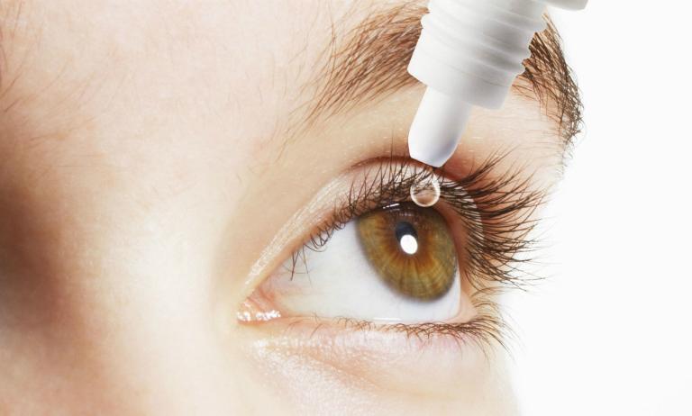 Quên nhỏ mắt một lần không gây nguy hiểm, tuy nhiên nếu tình trạng này lặp lại nhiều lần có thể khiến tác dụng của thuốc Sanlein 0.1 suy giảm trong quá trình điều trị.