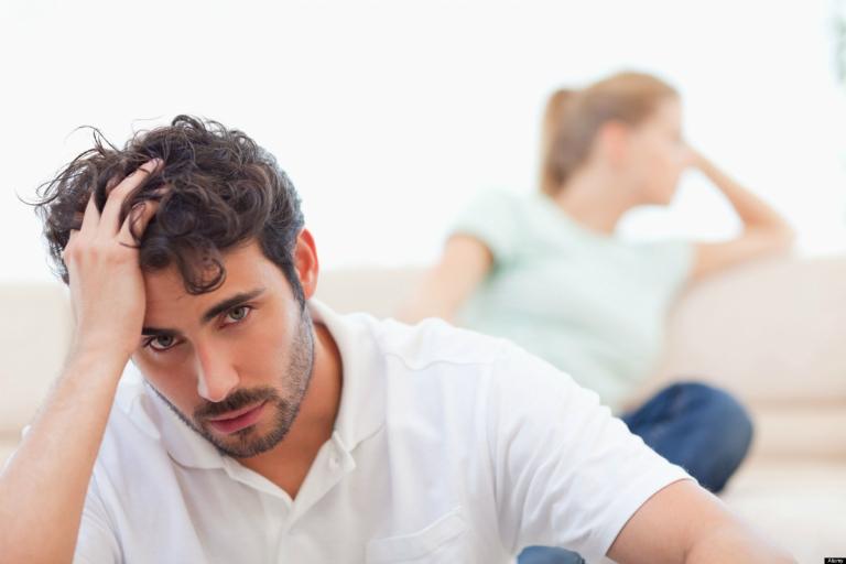 Thận yếu ảnh hưởng đến sinh lý, đời sống sinh hoạt tình dục của nam giới.