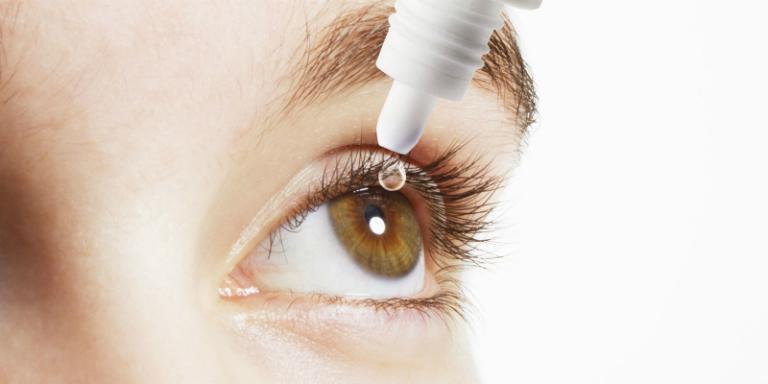 Cách dùng: Bệnh nhân nhỏ thuốc trực tiếp vào mắt.