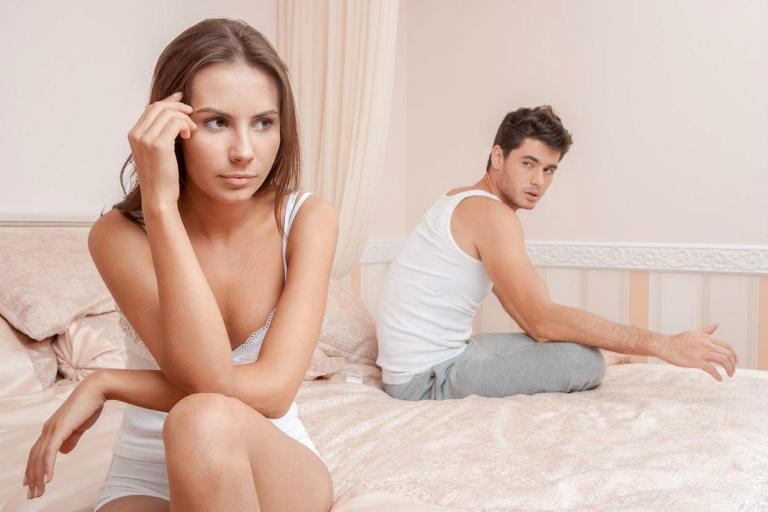 Bệnh viêm đường tiết niệu gây ra cảm giác đau khi quan hệ, khi tiểu tiện.