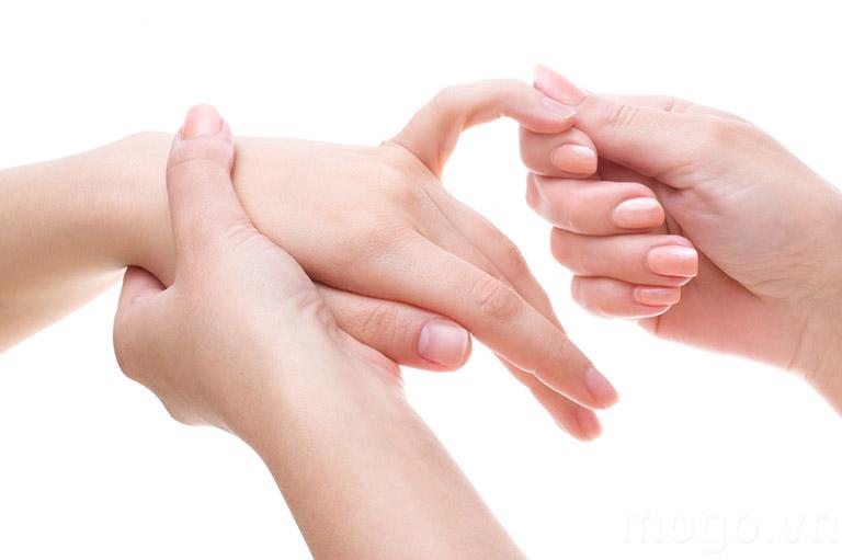 khắc phục tê tay khi mang thai