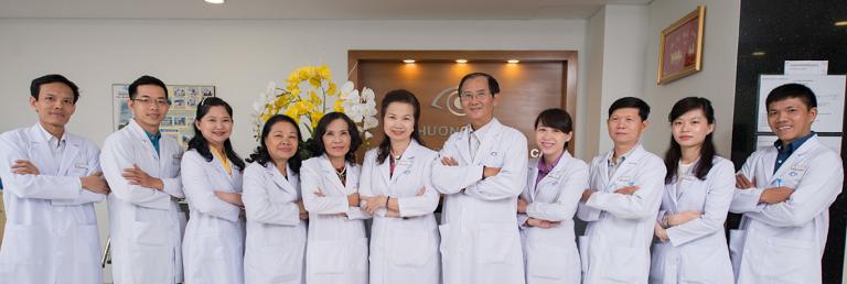 Đội ngũ bác sĩ tại Bệnh viện mắt kỹ thuật cao Phương Nam