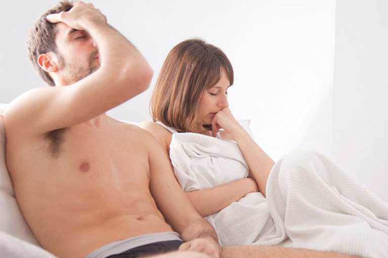 Có nên quan hệ khi bị sỏi thận?