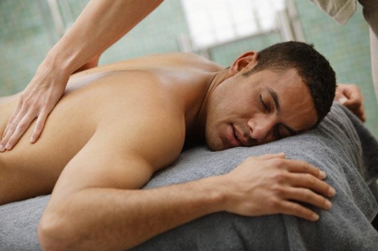 Cách chữa đau lưng sau khi quan hệ