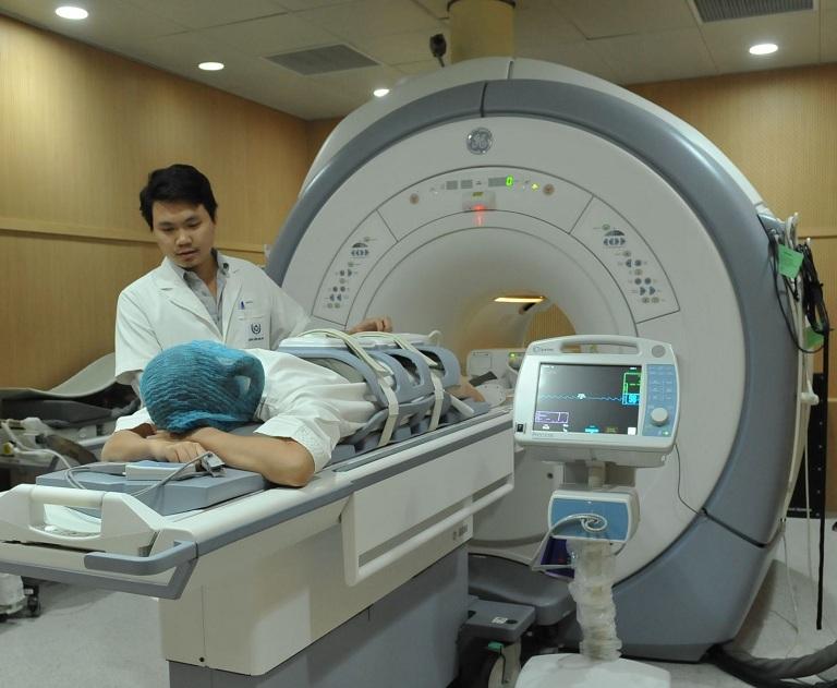 Chụp MRI chẩn đoán thoát vị đĩa đệm