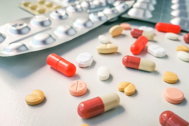 Tương tác thuốc Clomezol