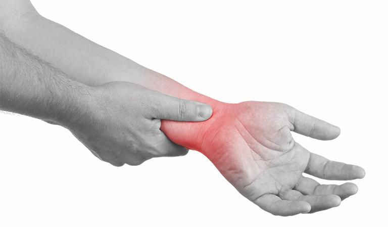 bị đau cổ tay