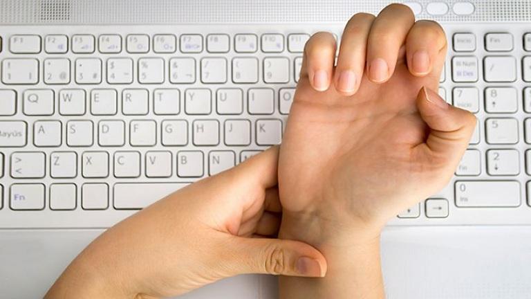 biểu hiện của hội chứng xương ống cổ tay