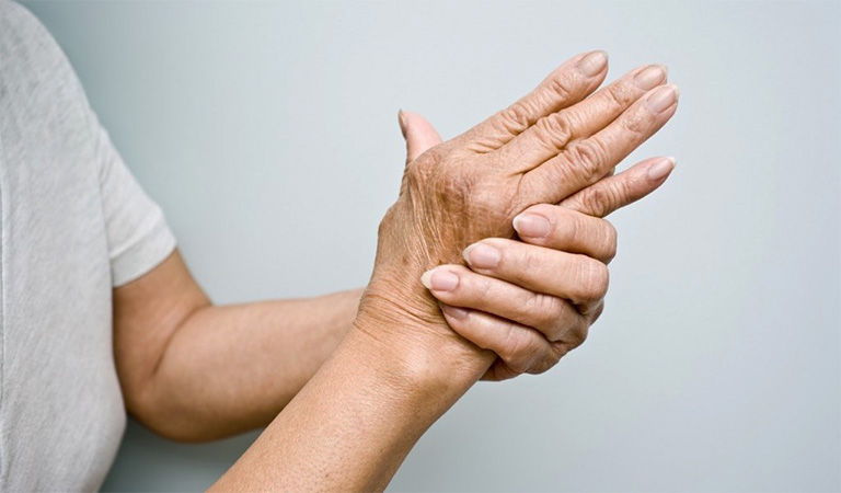 bệnh đau khớp ngón tay