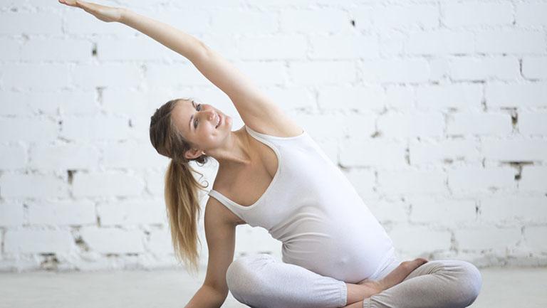 mang thai tháng thứ 4 bị đau lưng