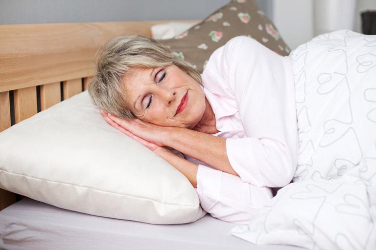 khắc phục đau nhói lưng khi ngủ