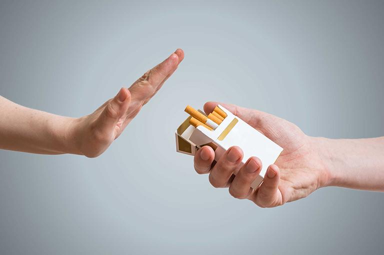 Không sử dụng thuốc lá trong quá trình điều trị đau lưng mãn tính