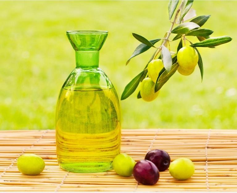 Bệnh đau lưng nên ăn dầu ô liu