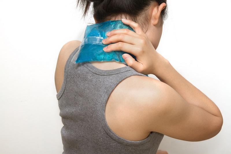 chữa đau vai gáy
