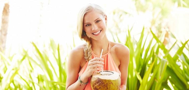 Uống nước dừa giúp giảm cân, giữ dáng